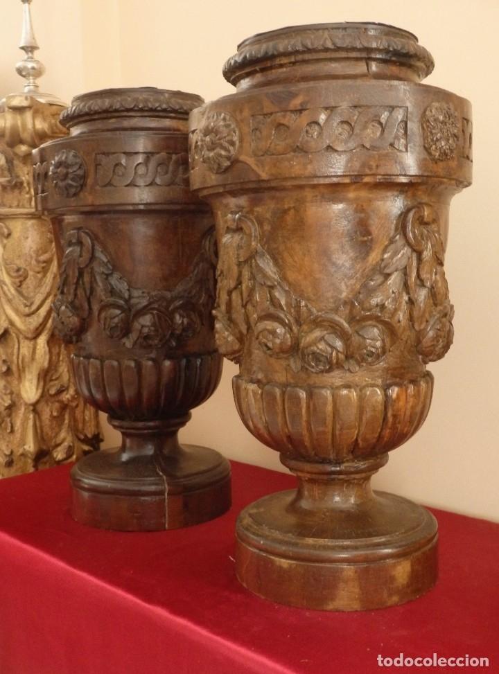 Arte: Gran pareja de pedestales en madera tallada de estilo neoclásico. 57 x 31 cm. Siglo XVIII. - Foto 11 - 119237231