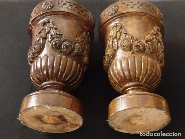 Arte: Gran pareja de pedestales en madera tallada de estilo neoclásico. 57 x 31 cm. Siglo XVIII. - Foto 14 - 119237231