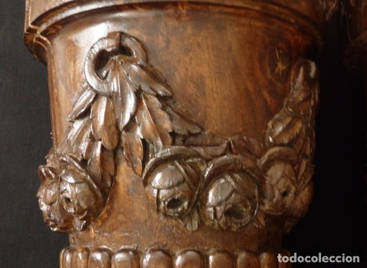 Arte: Gran pareja de pedestales en madera tallada de estilo neoclásico. 57 x 31 cm. Siglo XVIII. - Foto 17 - 119237231