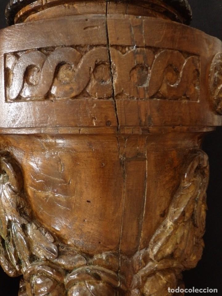 Arte: Gran pareja de pedestales en madera tallada de estilo neoclásico. 57 x 31 cm. Siglo XVIII. - Foto 20 - 119237231