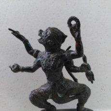 Arte: ESCULTURA DE DIVINIDAD HINDU NARASHINGA? EN BRONCE PATINADO. Lote 120025423