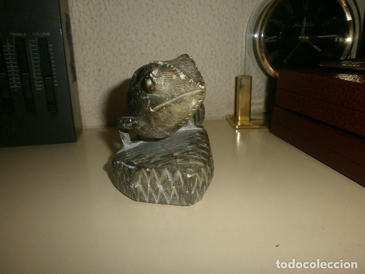 Arte: Figura talla de piedra camaleón medida 7,5 cm. altura ancho 12 x 6 cm. - Foto 3 - 120843239