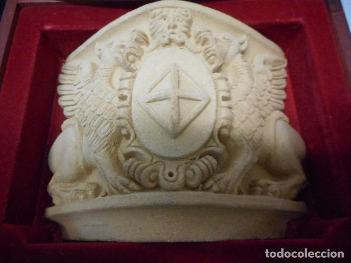 Arte: escudo generalitat catalunya realizado a mano por satorras con su libreto y caja original - Foto 2 - 121172847