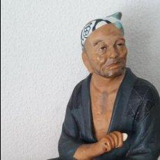 Arte: DE COLECION ESCULTURA TERRACOTA PESCADOR MAD JAPON SELADA URCESHIDOLLS WASHABLE HAKATA URASKI DOLLS. Lote 121562499
