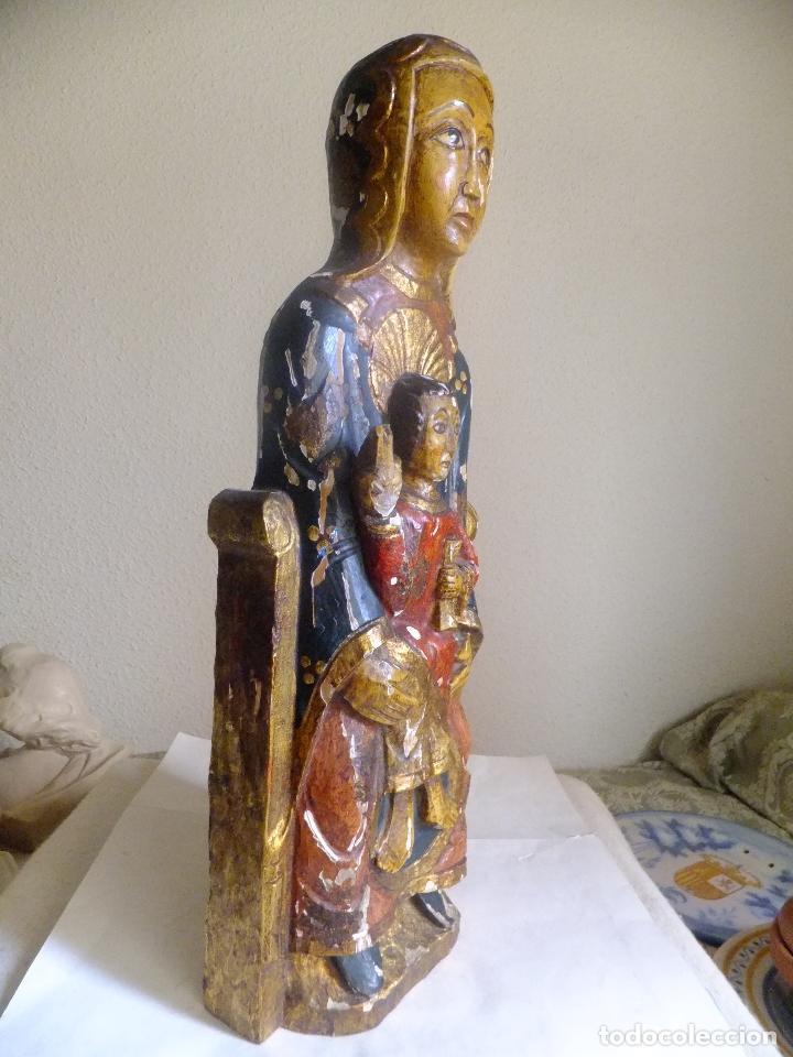 Arte: Escultura de talla Virgen sedente con el Niño Jesus siguiendo modelo romanica. - Foto 4 - 122234411