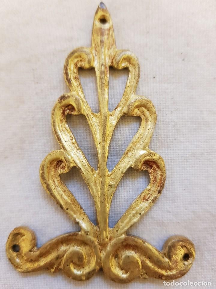 Arte: Trece apliques decorativos. Bronce dorado. Siglo XIX - Foto 3 - 122311247