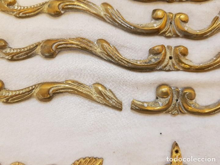 Arte: Trece apliques decorativos. Bronce dorado. Siglo XIX - Foto 5 - 122311247