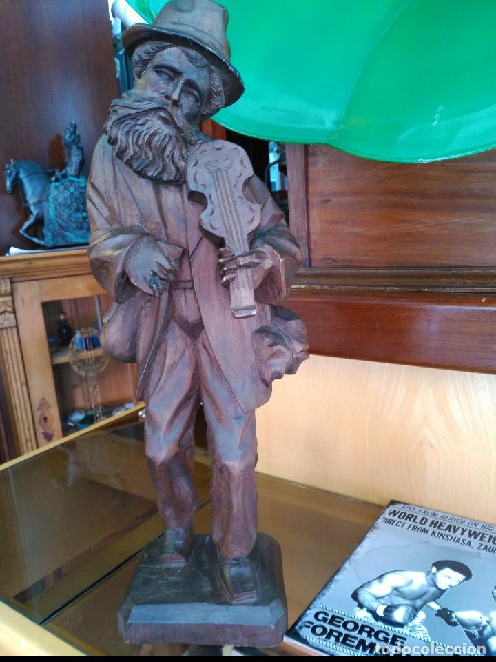 Arte: IMPRESIONANTE Y ANTIGUA ESCULTURA SIGLO XIX TALLA EN MADERA 41 cm ANCIANO TOCANDO EL VIOLÍN - Foto 2 - 122563695