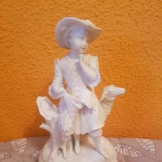 Arte: GRAN ANTIGUA FIGURA SIGLO XIX ESCULTURA BISCUIT BLANCO PORCELANA ESCENA COSTUMBRISTA BUCOLICA PASTOR. Lote 48596622