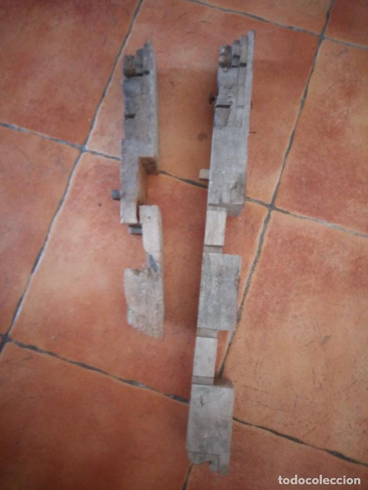 Arte: Lote de 2 tallas de madera indues,para decoración ,siglo xix - Foto 5 - 125094519