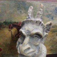 Arte: GÁRGOLA DE PIEDRA PARA COLGAR EN PARED LEER BIEN. Lote 127437479