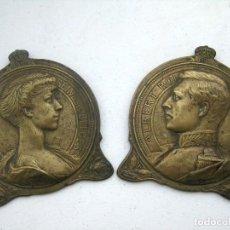 Arte: MEDALLONES BRONCE 1916 REYES DE BÉLGICA FIRMADOS CH. SAMUEL, HISTÓRICOS. Lote 128846771