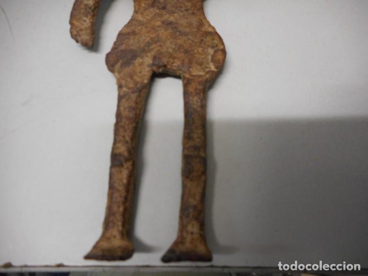 Arte: arqueologia figura antigua de hierro - Foto 4 - 130421658