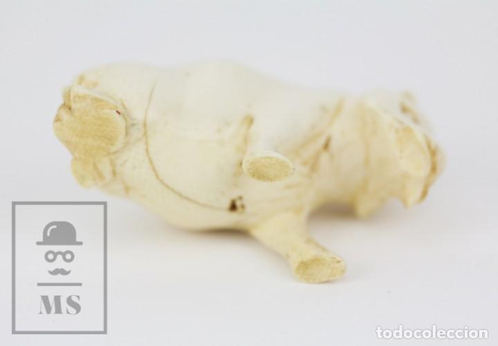 Arte: Figurita / Esculturilla de Marfil o Hueso Tallado - Animal / Hipopótamo ? - Medidas 6,5 x 3 x 4 cm - Foto 9 - 131989602