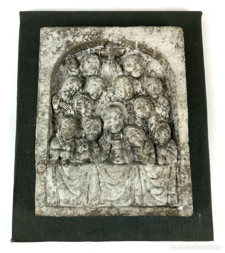 PLAFÓN JESÚS Y LOS 12 APÓSTOLES. SIMIL PIEDRA. ESPAÑA. CIRCA 1950. (Arte - Escultura - Piedra)