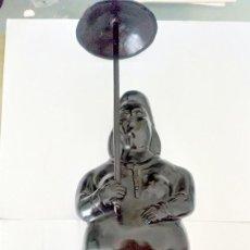 Arte: ESCULTURA BRONCE MUJER CON SOMBRILLA. Lote 134766114