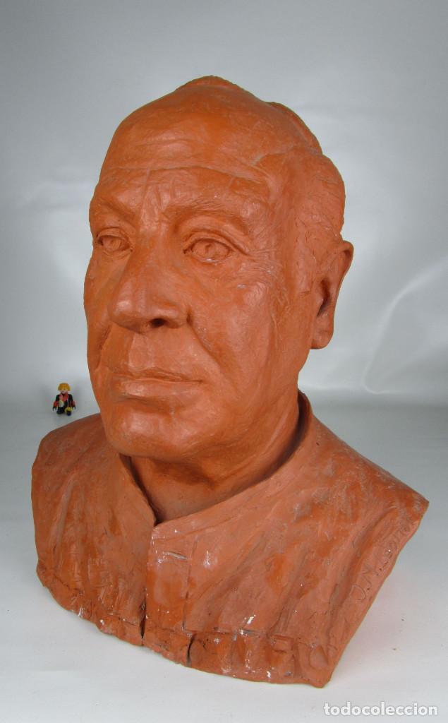 GRAN BUSTO EN TERRACOTA CON FIRMA (Arte - Escultura - Terracota )