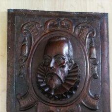 Arte: ANTIGUA TALLA EN TABLA DE NOGAL CABEZA DE MIGUEL DE CERVANTES 48X41 CM.. Lote 135690495