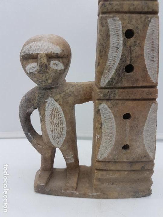 Arte: Original escultura antigua canadiense tallada a mano en piedra de indigena y ofrenda. - Foto 2 - 135944762