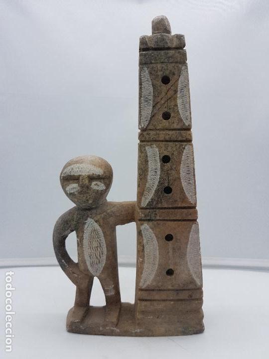 Arte: Original escultura antigua canadiense tallada a mano en piedra de indigena y ofrenda. - Foto 3 - 135944762