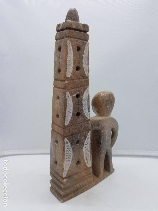 Arte: Original escultura antigua canadiense tallada a mano en piedra de indigena y ofrenda. - Foto 5 - 135944762