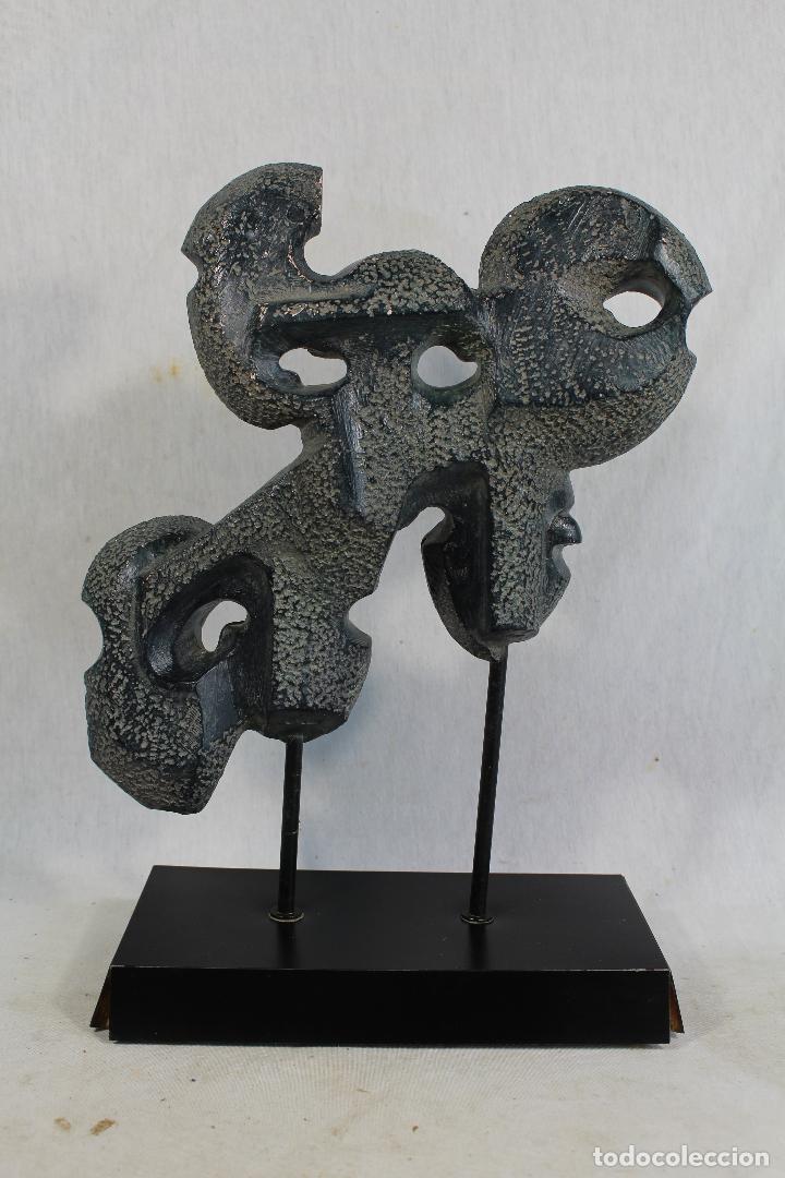 Arte: escultura con caras en resina firmada - Foto 4 - 136666658
