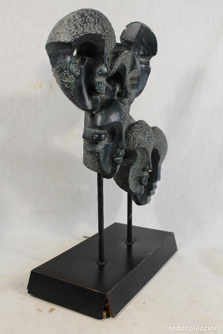 Arte: escultura con caras en resina firmada - Foto 6 - 136666658