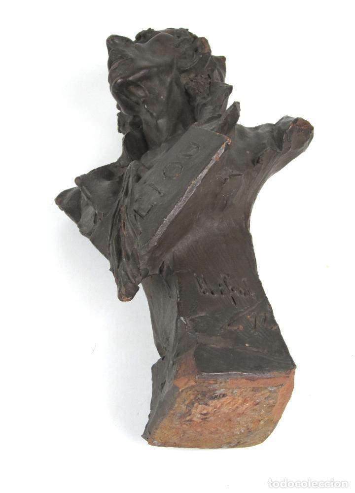 Arte: EIOU, busto de terracota firmado y fechado en 1912. 33 cm altura. - Foto 3 - 139824718