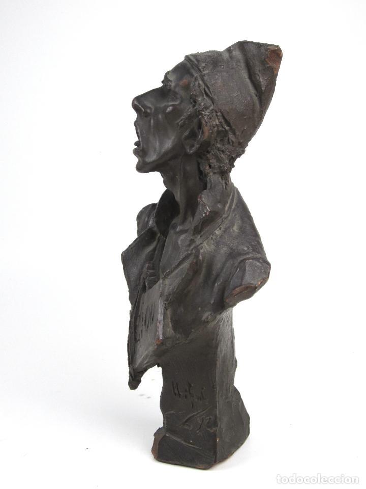 Arte: EIOU, busto de terracota firmado y fechado en 1912. 33 cm altura. - Foto 5 - 139824718