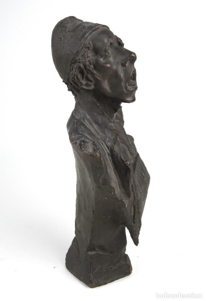Arte: EIOU, busto de terracota firmado y fechado en 1912. 33 cm altura. - Foto 7 - 139824718