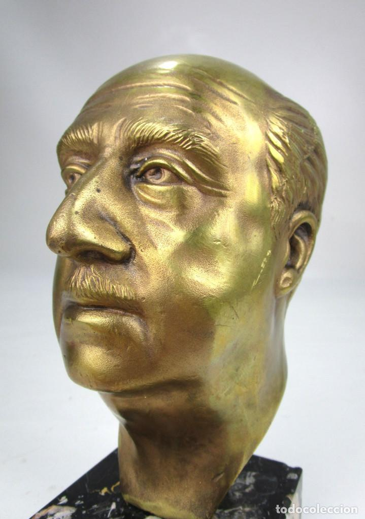 BUSTO ANTIGUO ORIGINAL DE EPOCA EN BRONCE MACIZO SOBRE MARMOL FRANCISCO FRANCO (Arte - Escultura - Bronce)