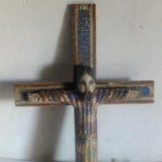 Arte: CRISTO PORLICROMADO EN TALLA DE MADERA SEGÚN MODELO ROMÁNCO CATALUÑA. Lote 140655846