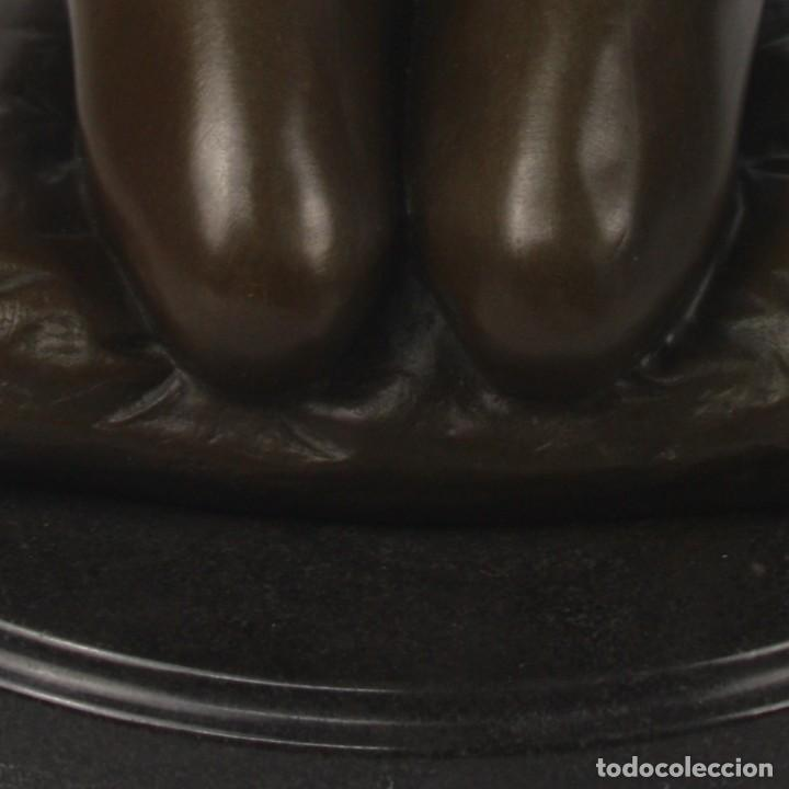 Arte: Escultura en bronce dama poniendose el collar - Foto 7 - 140839610