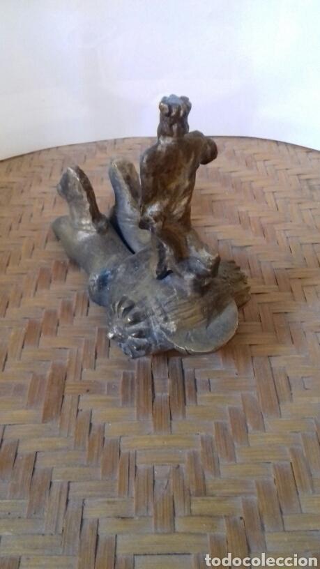 Arte: Antigua escultura de neptuno en bronce. Hecha a mano, para colocar sobre peana. Mide 12 x 10 - Foto 2 - 141555074