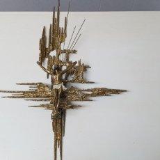 Arte: SOBERBIA ESCULTURA DE CRISTO EN BRONCE ESTILO MODERNO. Lote 143111676