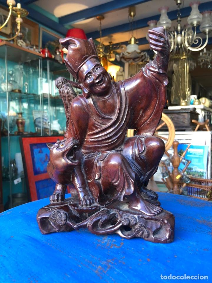 FIGURA TAILANDESA TALLADA EN MADERA (Arte - Escultura - Madera)