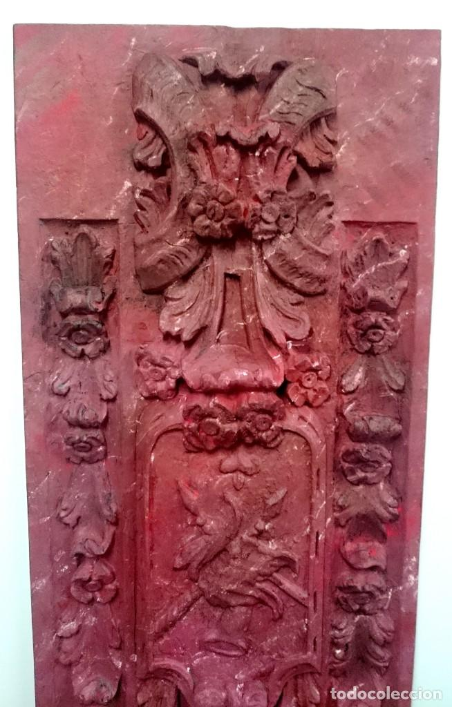 Arte: Antigua tabla, adorno con motivos vegetales. Rojo marmolizado, 173x55cm. - Foto 3 - 145344186