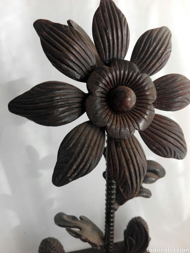 Arte: Escultura de hierro en forja flor con 4 piñas en hierro fundido Ideal remate - Foto 7 - 145499970