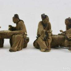Arte: SET DE DOS FIGURAS EN TERRACOTA .ANCIANOS ASIATICOS.. Lote 146068778