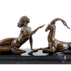Arte: BELLISIMA ESCULTURA DEL ART DECO EN BRONCE - MUJER & GAZELLA (48CM & 7,5KG). Lote 161326110