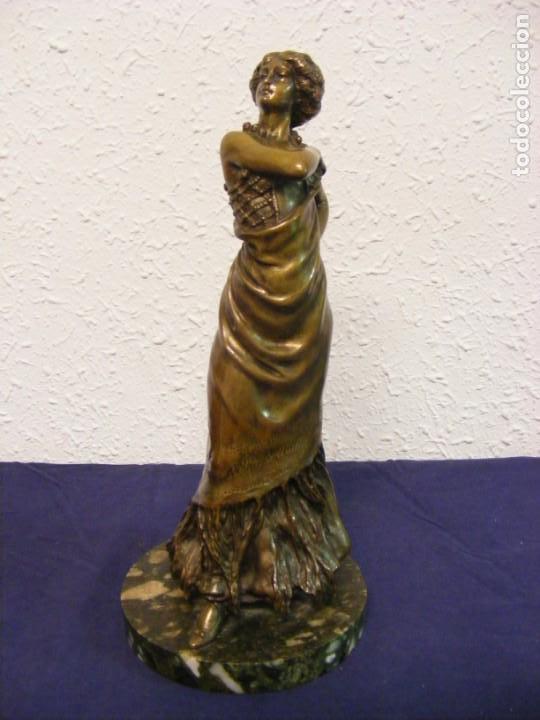 CARMEN S.XIX FIRMADA (Arte - Escultura - Bronce)