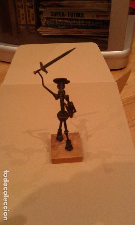 FIGURA DON QUIJOTE REALIZADA CON TORNILLOS Y METAL (Arte - Escultura - Hierro)