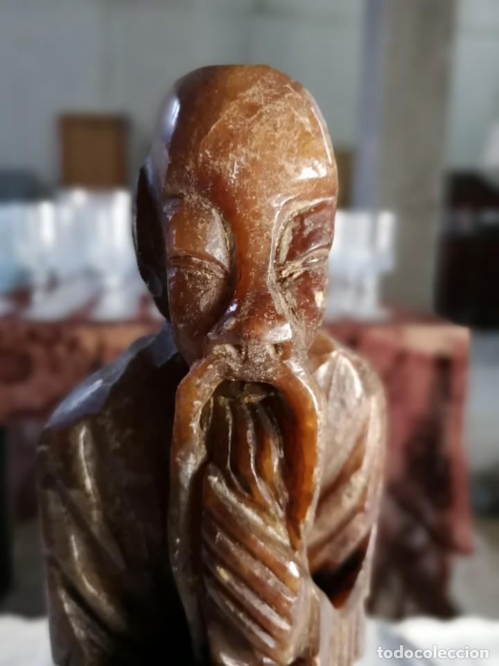 MONJE CHINO REALIZADO EN ALABASTRO. (Arte - Escultura - Alabastro)