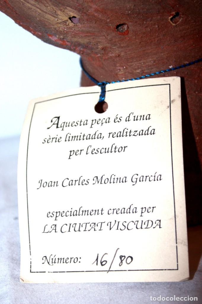 Arte: ESCULTURA DE TERRACOTA NUMERADA, DE JOAN CARLES MOLINA GARCÍA, CREADA PARA: LA CIUTAT VISCUDA - Foto 2 - 148620230