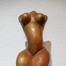 Arte: ESCULTURA SIMBÓLICA DEL CUERPO FEMENINO EN MADERA. Lote 148823654
