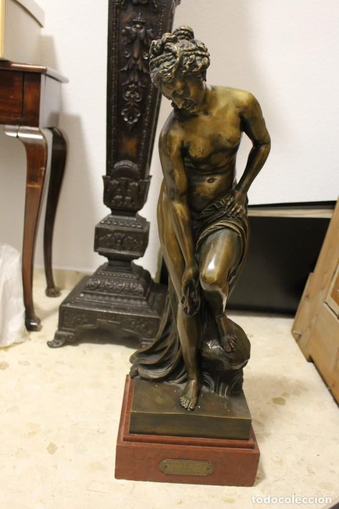 ESCULTURA DE BRONCE, VENUS AU BAIN DE ALLEGRAIN, FINALES DEL SIGLO XIX. 70 CM (Arte - Escultura - Bronce)