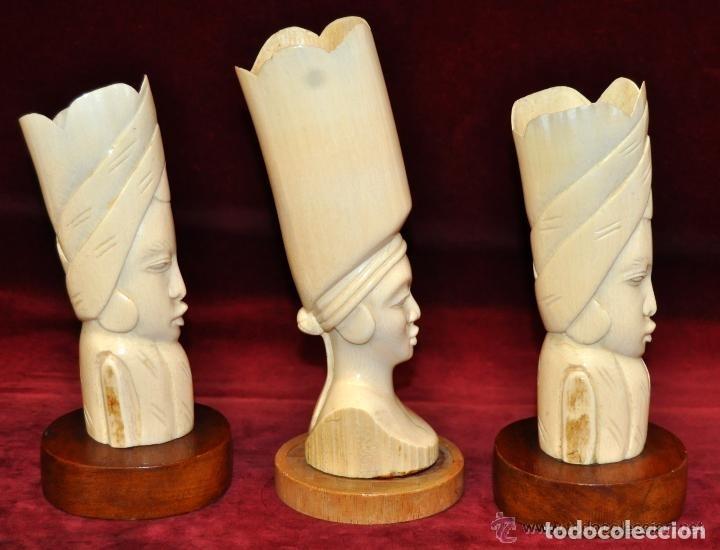 Arte: LOTE DE 3 FIGURAS DE MARFIL AFRICANO DE MEDIADOS DEL SIGLO XX - Foto 3 - 150092181