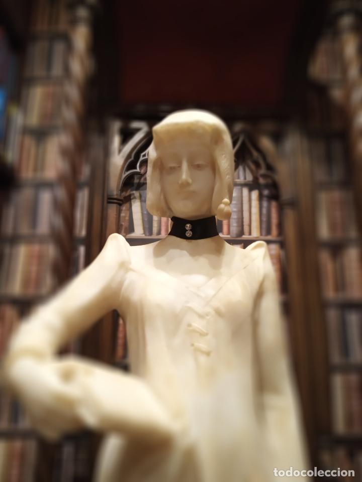 Arte: Bellísima escultura art nouveau de joven mujer con libro en la mano - firmada por el artista - - Foto 4 - 150142886
