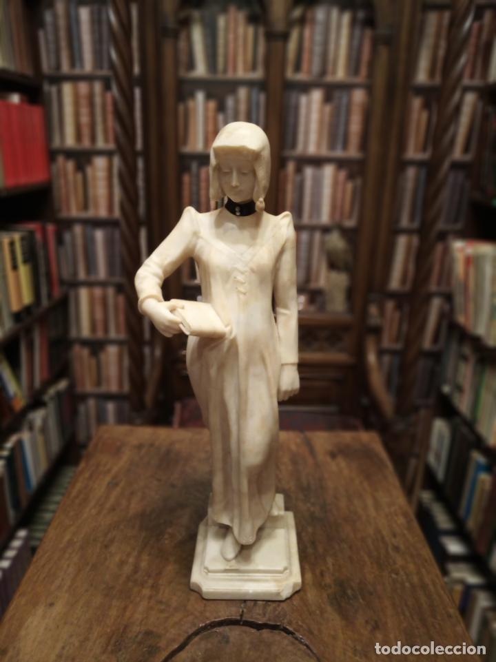 Arte: Bellísima escultura art nouveau de joven mujer con libro en la mano - firmada por el artista - - Foto 5 - 150142886