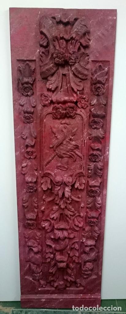 Arte: Antigua tabla, adorno con motivos vegetales. Rojo marmolizado, 173x55cm. - Foto 2 - 145344186